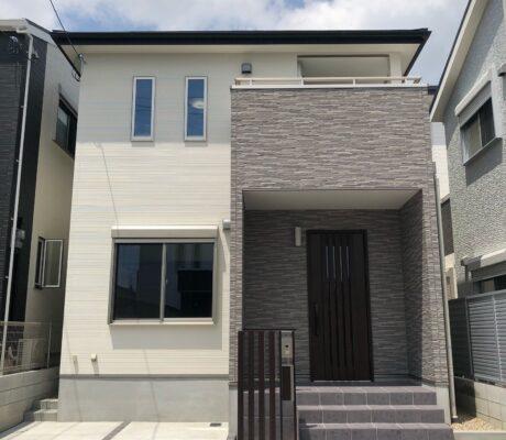 立体感で魅せる白基調のおしゃれな家